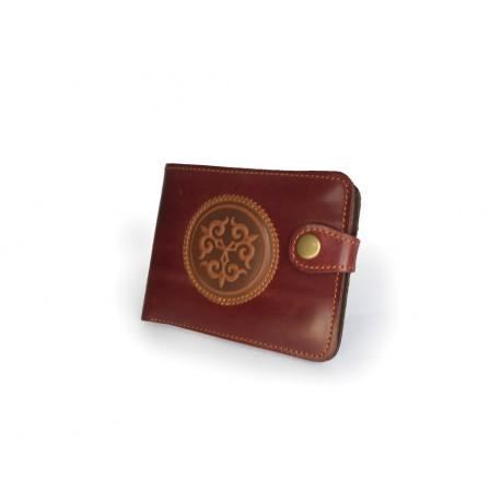 Pánská kožená peněženka s raženým ornamentem