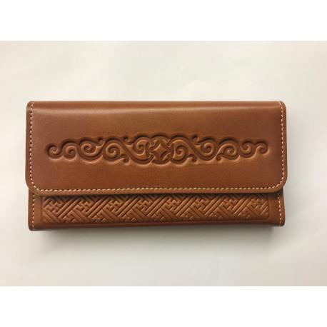 Kvalitní kožená peněženka s raženými ornamenty světle hnědá